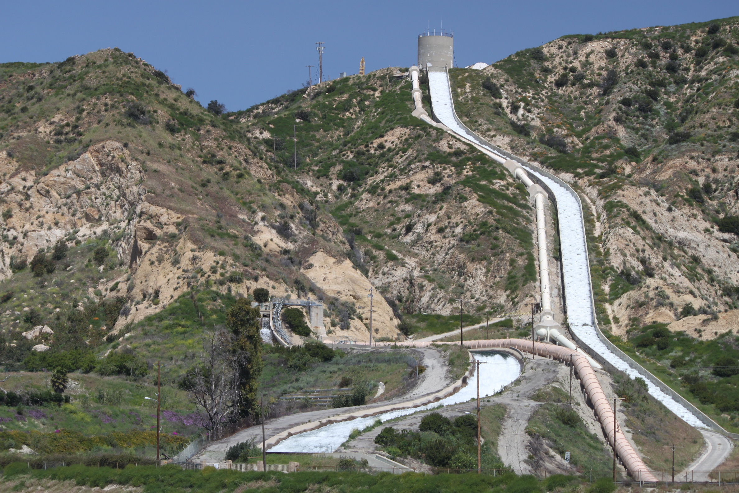 The Original Los Angeles Aqueduct Is The Water Flowing From The Spot Lower On The Hill Towards The Left Click Here For The Original Po Of Mulholland On