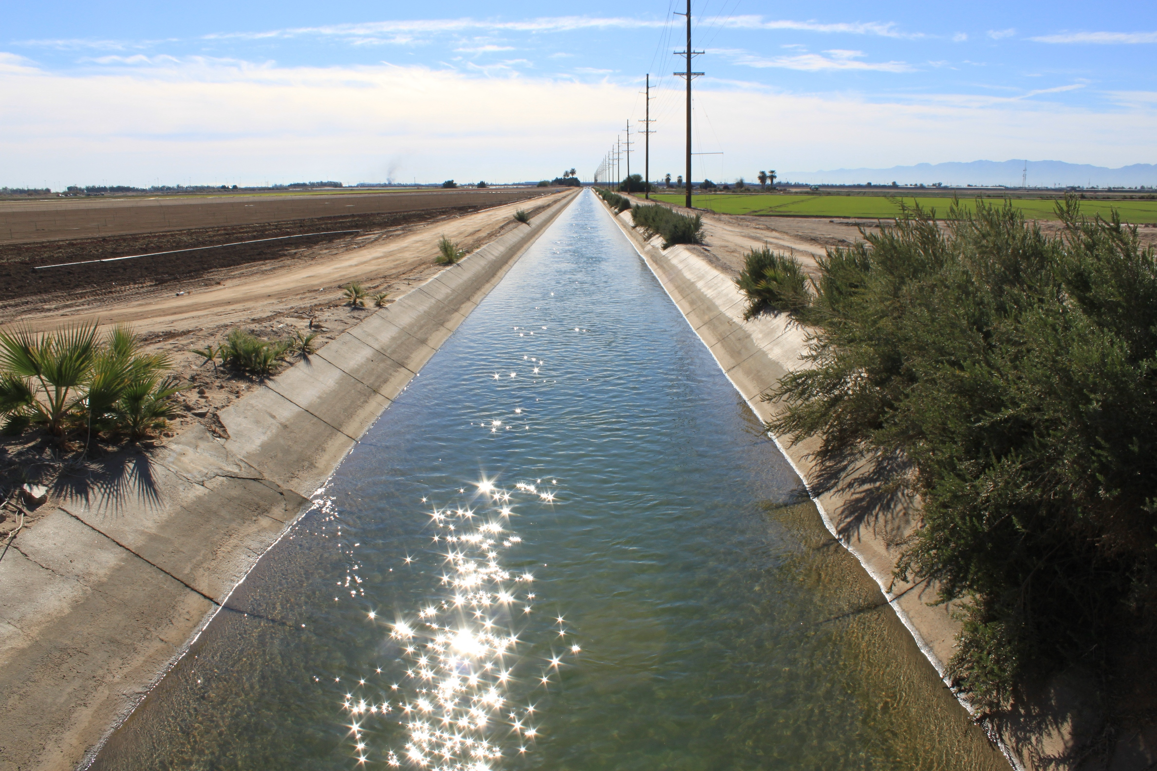 Agricultural Irrigation Canal : Photo tour of the imperial valley most productive