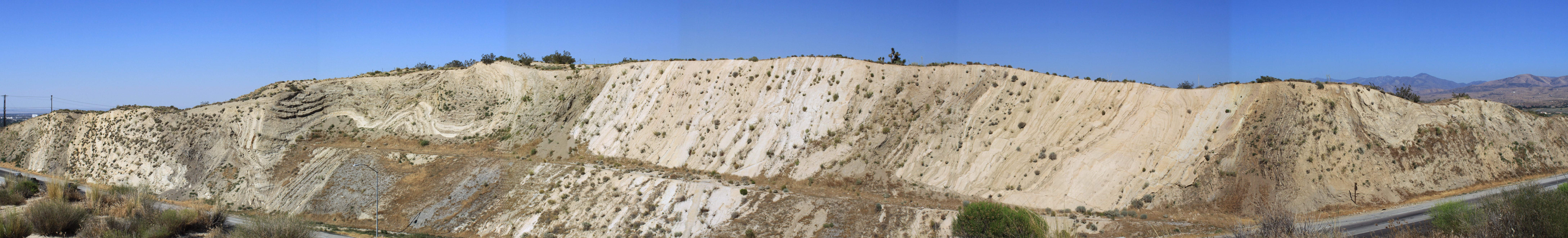 san-andreas-fault-road-cut-palmdale-stitch