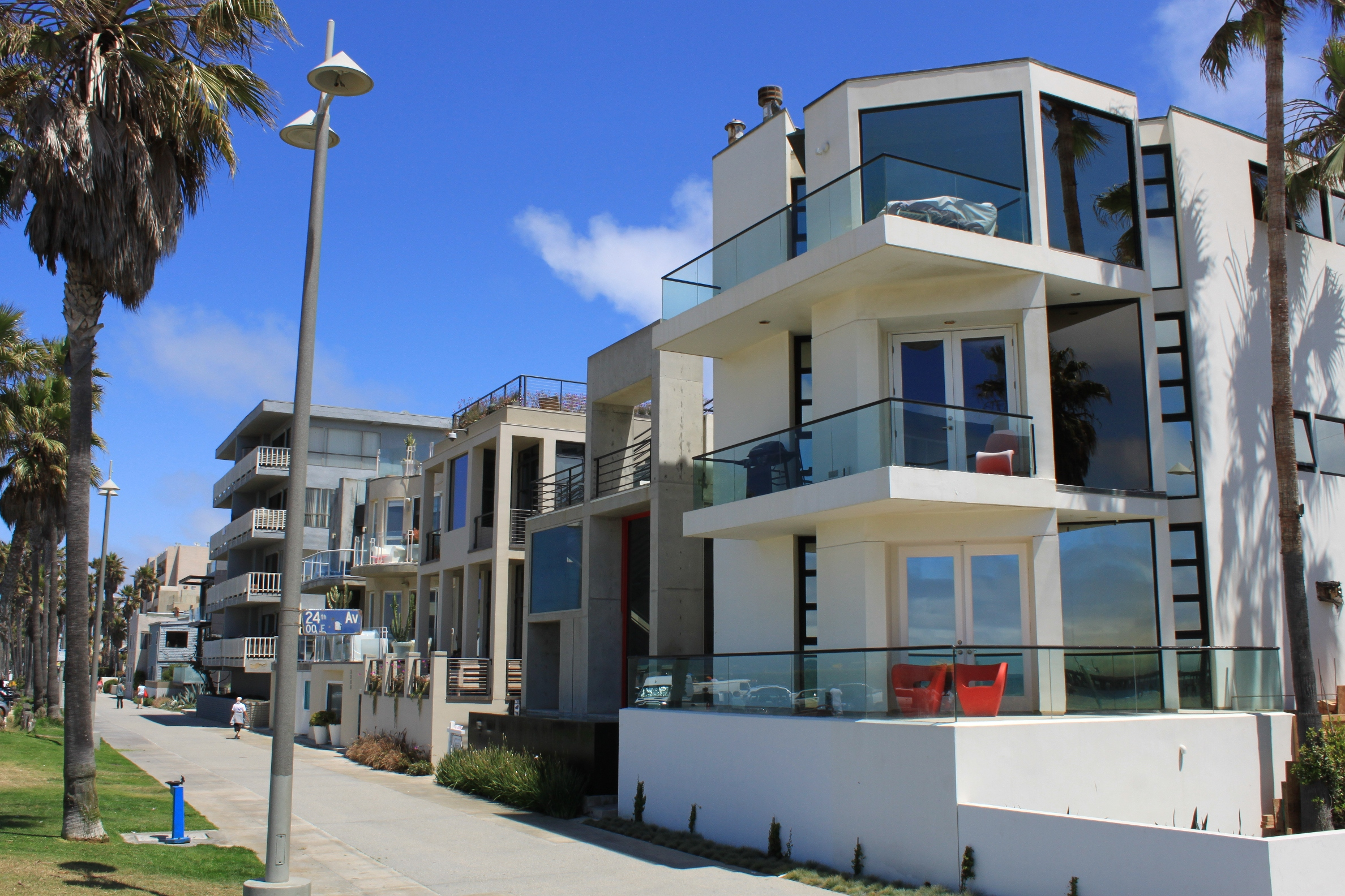 Exceptional Houses On Venice Beach Part - 3: Walking ...