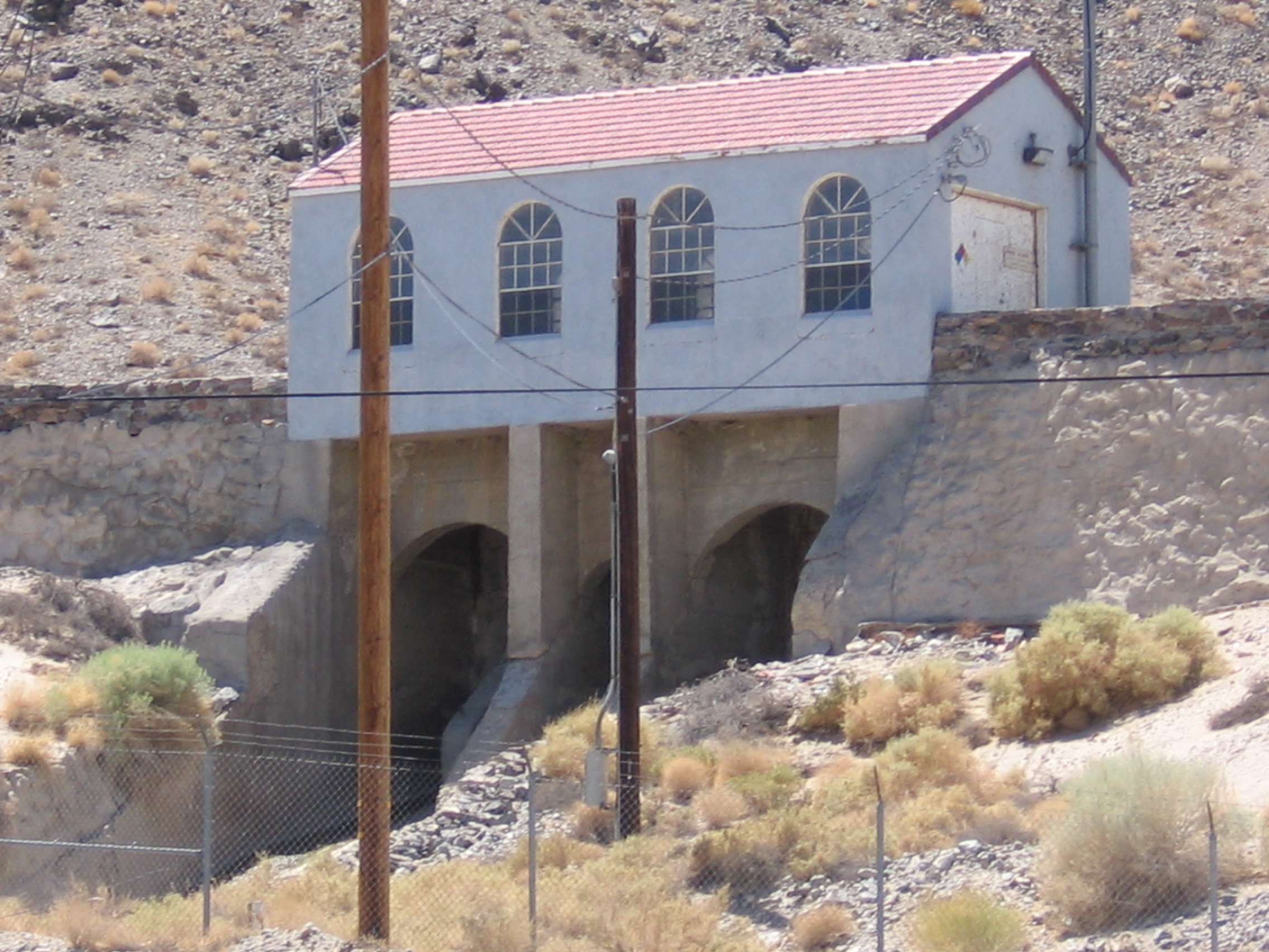 the significance of the owens valley to los angeles Of los angeles real estate  the los angeles aqueduct carrying water from the owens valley,  the san fernando valley, and northeastern los angeles.