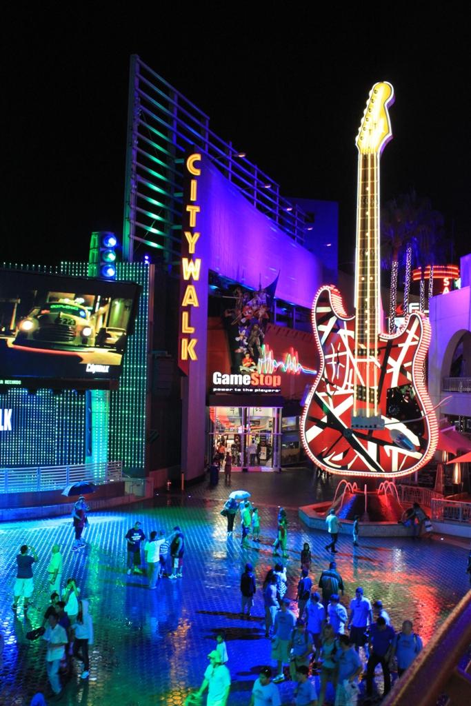 Neon Eye Candy Universal City Walk At Night Maven S