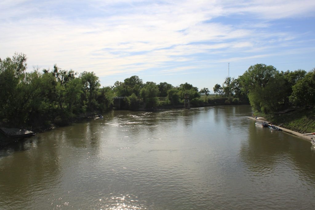 Sacramento River at Knight's Landing Apr 2013 #1