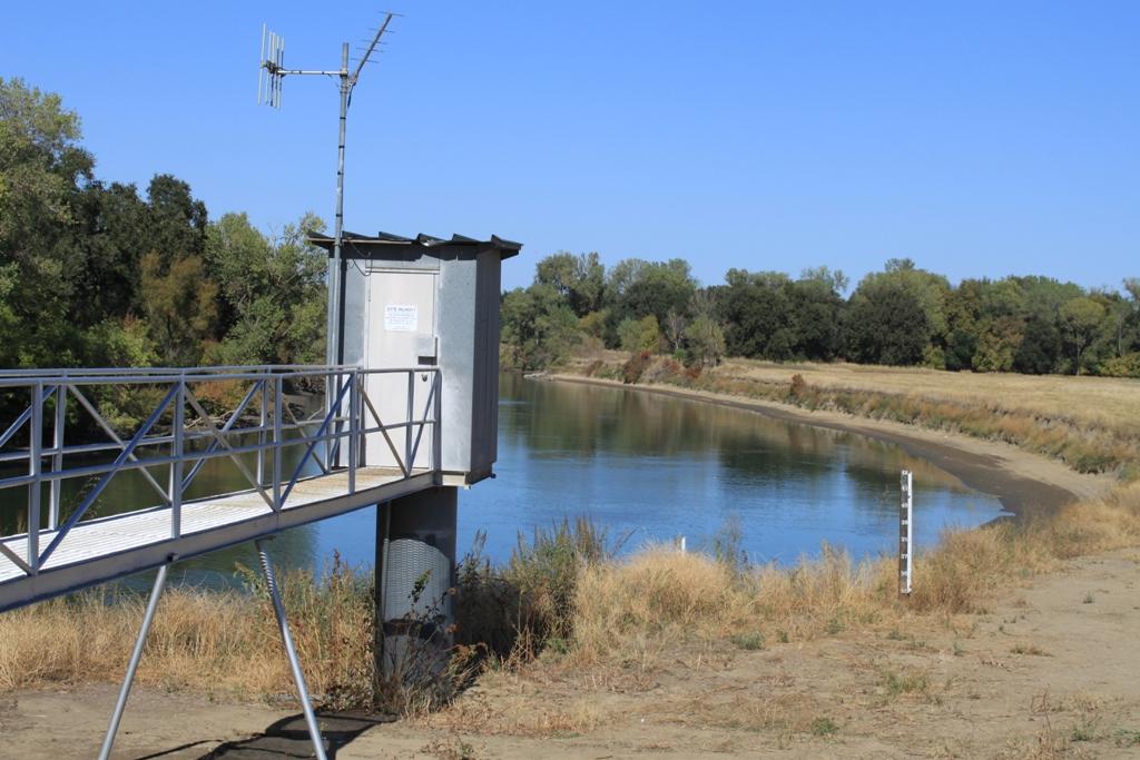 Fremont Weir - dry Oct 2013 #1