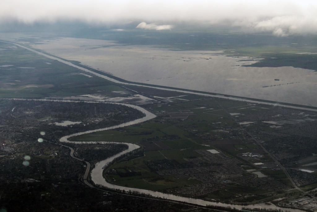 Sacramento flooding aerial Mar 2011 #18