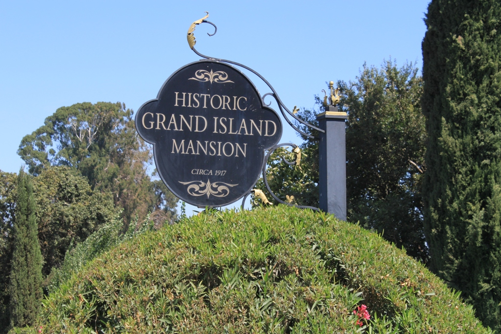 Grand Island Mansion Aug 2015 #7